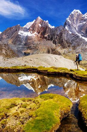 Cordillera-Huayhuash,-Peru,-South-America